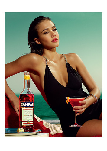 Jessica Alba Club Campari april
