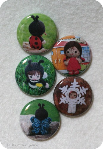 1 inch buttons of my dolls