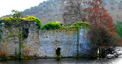Loch an Eilein Castle (ralph.stewart) Tags: autumn canon scotland highlands rothiemurchusestate lochaneileincastle