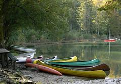 Bohinj - am Ufer (AnnAbulf) Tags: lago see riva barche boote slovenia slovenija slowenien ufer spiegelung bohinj riflesso gorenjska bohinjskojezero carniola oberkrain wochein wocheinersee altacarniola