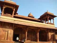 Fatherpur Sikri (Ilaria_Andrea) Tags: cinema famiglia bollywood palazzo osservatorio jaipur akbar forte sikri moghul maraja elefanti astronomico fathepur karni