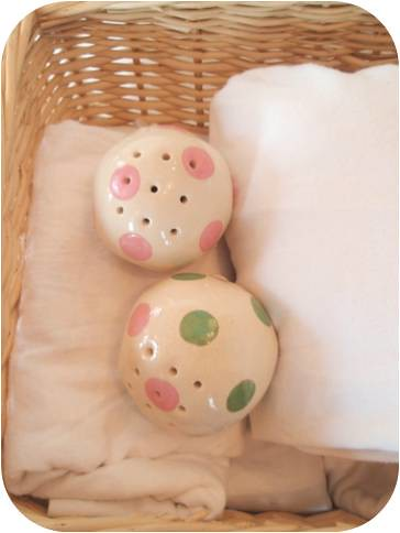 pink &green Soap flakes Ceramic Fragrance ball