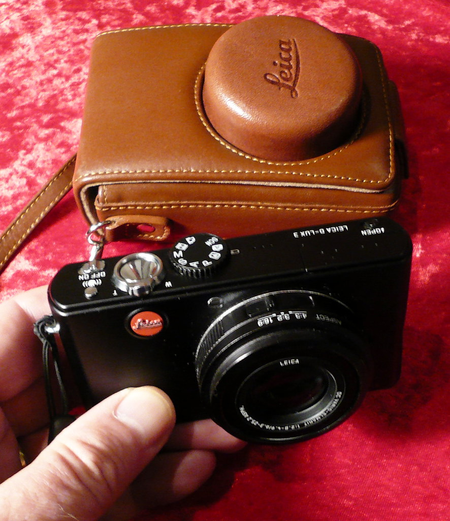 Leica D-LUX 3 With Case