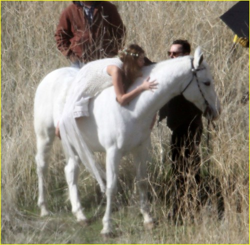 miley-cyrus-white-horse-photo-shoot-01