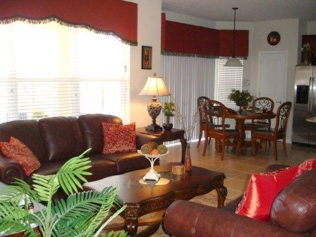Windsor Hills 6 Bed living room