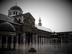 Omayyad Mosque (___Q___) Tags: old city cold rain clouds religious ancient minaret sony islam religion grand mosque arab arabia syria historical arabian q damascus blanc shaam oldcity masjid sham negre islamic beginner damas syrian blancinegre grandmosque omayyad omayyadmosque 3310474 oldcityofdamascus omaiad