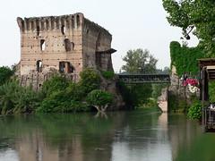 PONTE VISCONTEO (ale2171) Tags: old castello gettyimages medioevo fortezza valeggio storia ale2171