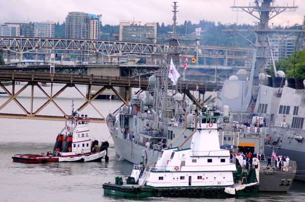 navy_gary_two_tugs_docked