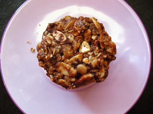 granola muffin