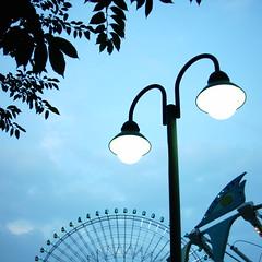 【写真】ミニデジで撮影したよこはまコスモワールド沿いの街灯