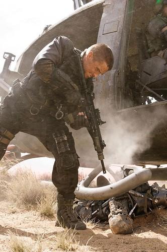 080718 - 蝙蝠俠化身為人類救世主「約翰康納」,睽違6年的科幻電影最新續作『魔鬼終結者4』前導預告片正式公開
