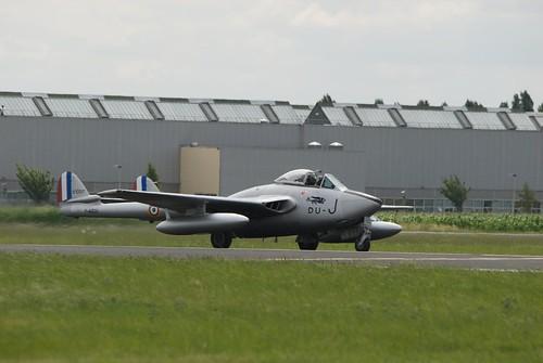 Warbird picture - Melun 2008 - De Havilland DH.100 Vampire taxi