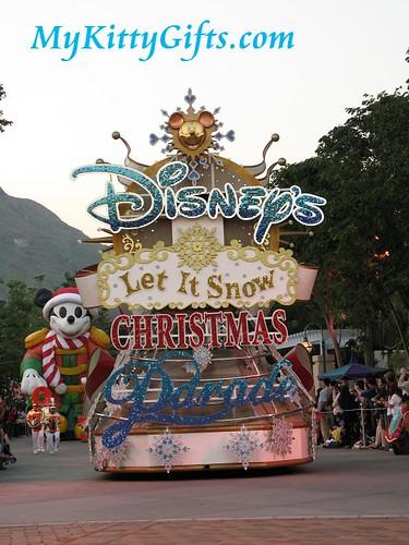 Hello Kitty's View of 'Let it Snow' Christmas Parade, Hong Kong Disneyland