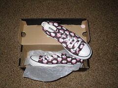 new cupcake converse! (onceuponarhyme) Tags: pink cupcakes shoes newshoes converse chuck chucks chucktaylors allstars journeys taylors lowtops cupcakeconverse