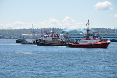 DSC_2326 (citywalker) Tags: seattle harbor may hunter elliottbay tugboats 2010 glencove maritimefestival crowleychief
