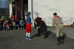 Atharratze-Alozeko Maskaradak Arrokiagan 2008 471 (dantzan) Tags: carnival dance danza carnaval 2008 basque euskalherria basquecountry mascarada carnavales maskarada dantza zuberoa inauteriak ihauteriak tradizioa xiberua maskaradak mascarades danzatradicional photooieraraolaza dantzatradizionala atharratzealoze maskadak danceanddrama herriantzerkia arrokiaga