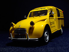 Citroen 2CV Camionnette (Photomechanica) Tags: citroen 2cv 118 solido diecast