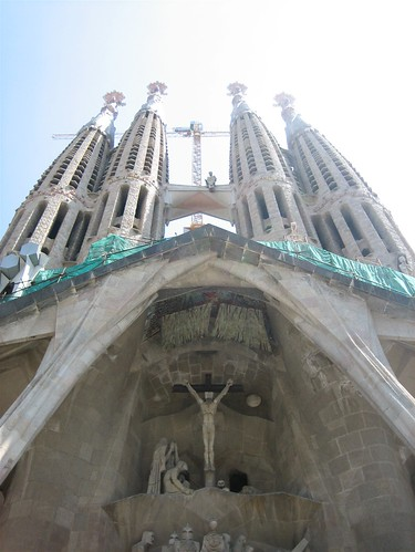 080521. towers, la sagrada familia.