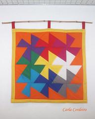 """'Dança dos Quadrados' -  panô """"Bá-Guá""""  (início do pap) (Carla Cordeiro) Tags: arcoíris patchwork tessellation pap squaredance geometria matemática passoapasso dançadosquadrados papdançadosquadrados aulinhasdacarla papcarlacordeiro báguá"""