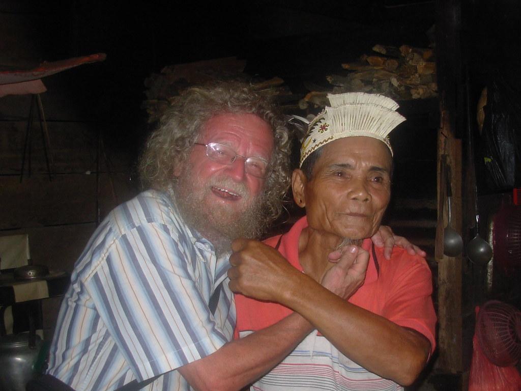 Sarawak-Belaga-LHouses (233)