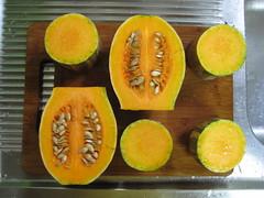abóbora (parttimefarm) Tags: kitchen brasil board squash cutting chacara butternut echapora