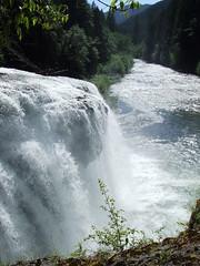 Lower Falls on the Lewis River (p medved) Tags: nature river washington northwest hike waterfalls cascade lewisriver cascata slapovi vodopad