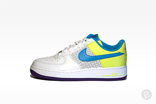 Nike Women's Air Force 1 Premium '07