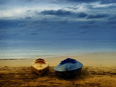 when time stood still (aminur) Tags: blue sea sky beach island seaside lonely perhentian digitalworld visiongroup aminur