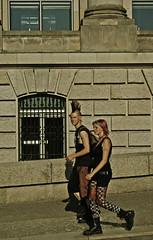 punks in the bundestag (_tonidelong) Tags: travel viaje people berlin germany europa europe punk young alemania punks jovenes punkies punkarras