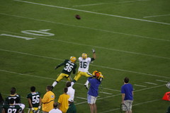Overthrown (Photography by Kimberli) Tags: football packers greenbay