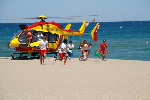 RNLI lifeguard beach rescue service pictures, free use image, 28 ...