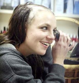 Britney Spears afeitada