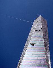 fly high (-Merce-) Tags: madrid sky españa building architecture skyscraper airplane geotagged fly spain arquitectura edificio cielo avión ctba volar madridarena torrecristal cuatrotorres mmbmrs geo:lat=40478055 geo:lon=3686111