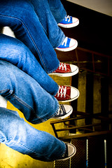 Converse-mos 2.0 (Pankcho) Tags: feet colors stairs shoes colours venezuela pit colores caracas zapatos explore converse taylor pies hanging chuck allstar chucks height escaleras altura vaco colgando