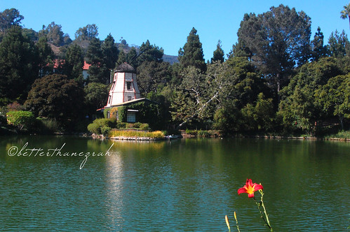 Lake Shrine 056