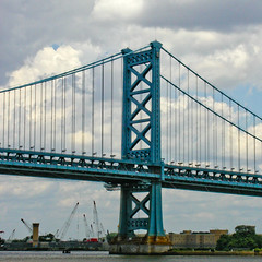 BL164 Ben Franklin Bridge (listentoreason) Tags: bridge sky usa philadelphia clouds america unitedstates pennsylvania scenic engineering places olympus benfranklinbridge suspensionbridge civilengineering benjaminfranklinbridge score35 olympusc4040z c4040z