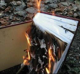 Desecrating_Koran_in_Iran