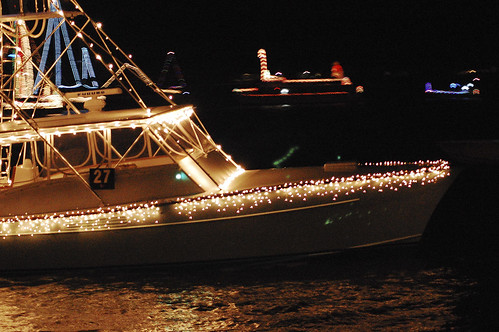 boat christmas parade 13