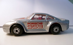 Matchbox Porsche 959 Side View (EZTD) Tags: photo foto fotograf photos photographic photographs photograph fotos matchbox photograf fotograaf photographes porsche959 diecastmodel photographen dmctz3 panasonicdmctz3 eztd eztdphotography photograaf fotoseztd eztdphotos leeztd dereztd