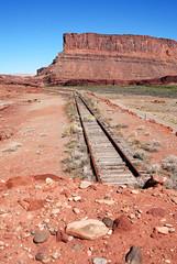 End of the line (Potash, Utah)... 20061020_5946 (listorama) Tags: railroad geotagged utah mine track coloradoriver unionpacific moab potash amasaback canecreekbranch ut2006oct h800h