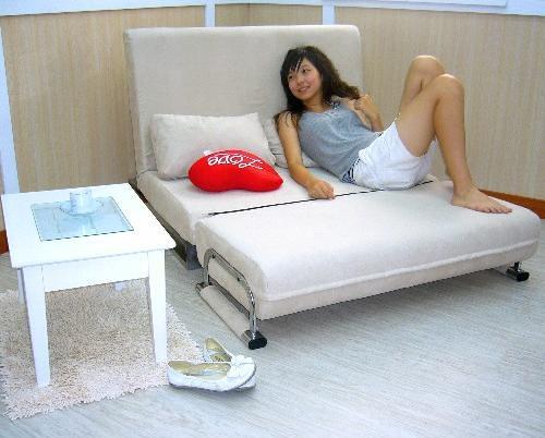 沙發床 & 正妹(躺)