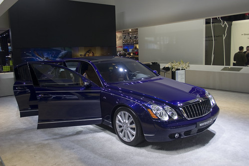 2010 Lamborghini · 2010 Maybach 625