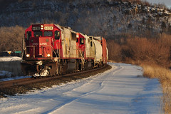 Somewhere East of the Twin Cities (Schnauf) Tags: winter snow canadianpacific soo6039 riversubdivision