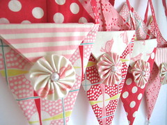 Valentine Pennie Pockets (Happy Zombie) Tags: pink red sweet sewing moda craft valentine pearls fabric cotton valentinesday craftproject pennants yoyos goodiebags nosegay treatbag prairiepoints dingdongditch urbanchicks craftzinevdaycontest2009 modabakeshop