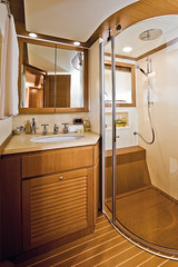 Long Range 23 - Vip bathroom (mochicraft-yacht) Tags: sea italy expedition boat italian long barca mare sailing yacht craft 23 mochi range zero luxury navigation emission megayacht lusso zeroemission longrange navigazione mochicraft longrange23