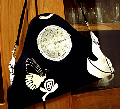 hand bag with clock