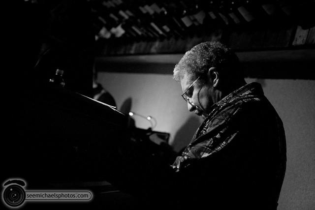 Jason Robinson at Dizzys 60211 © Michael Klayman-010
