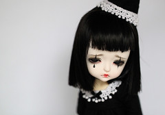 LuluBell (Aya_27) Tags: blackandwhite white black yellow bigeyes doll sad mask ns special lea bjd tear dollfie limited pierrot mystic dollie latidoll lulubell lati