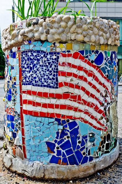 171/365 - June 20, 2011 - Patriotic Pot