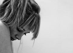 [フリー画像] [人物写真] [女性ポートレイト] [白人女性] [憂鬱/メランコリー] [モノクロ写真]      [フリー素材]